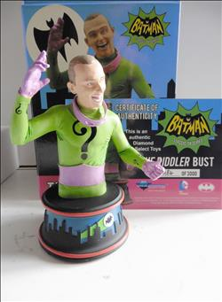 Batman  The Riddler Bust
