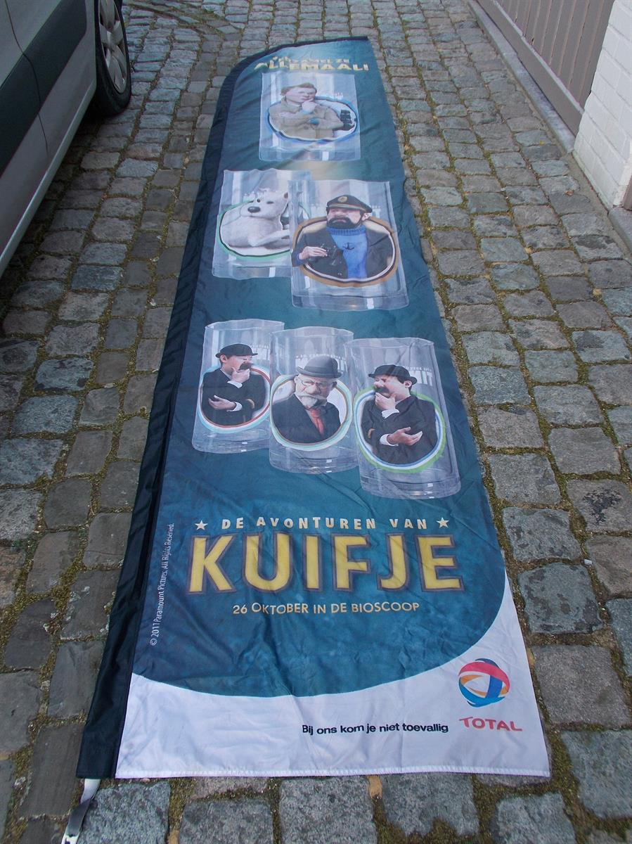 Kuifje - grote surfvlag - The Adventures of Tintin - The Secret of the Unicorn (2011)